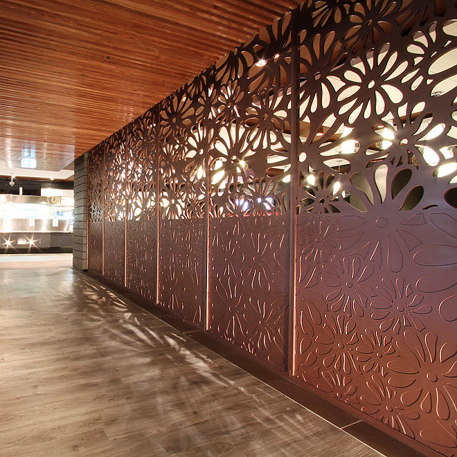 Antique Metal Screen Decorative Wall With Doors And Frames