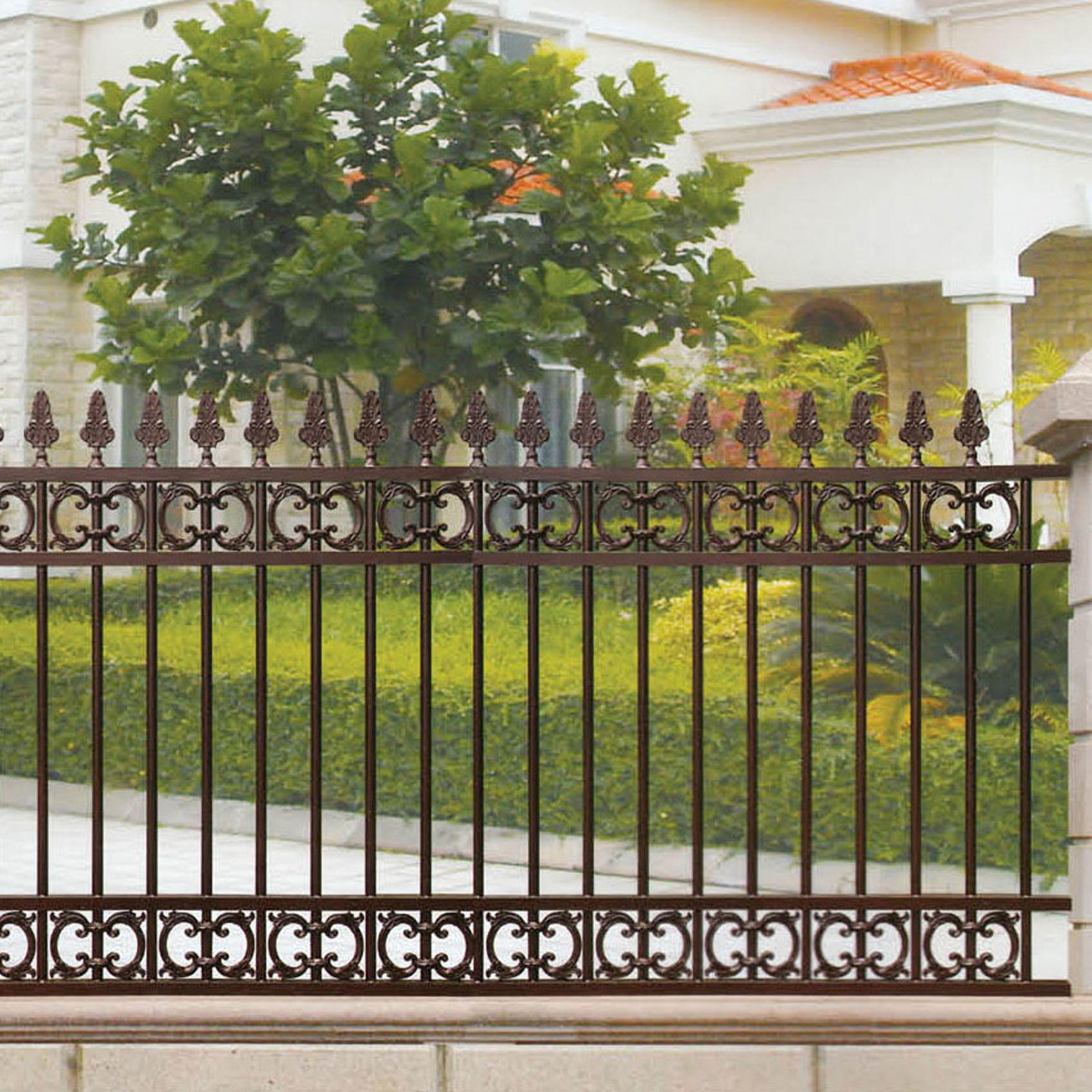 Metal Courtyard Garden Fence With Solid Materials