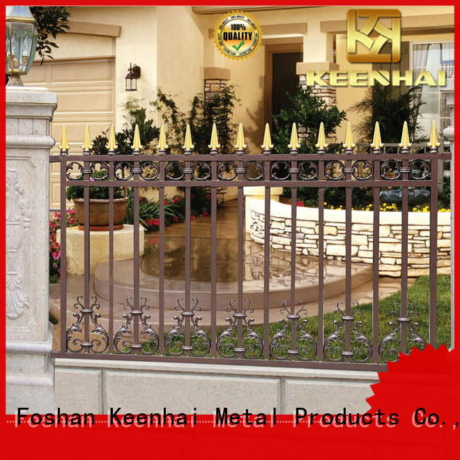 low production cost aluminum fence from China for villa
