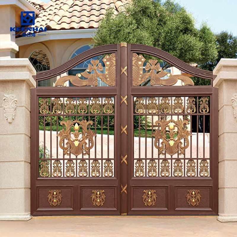 Aluminum courtyard gate